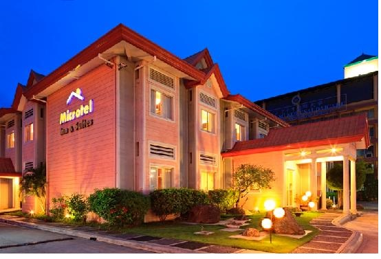 microtel-inn-suites-davao