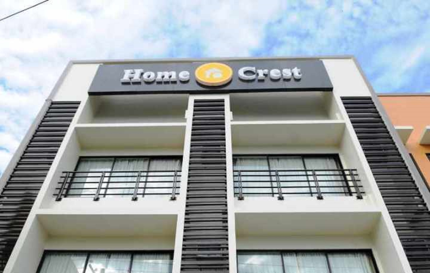 home-crest