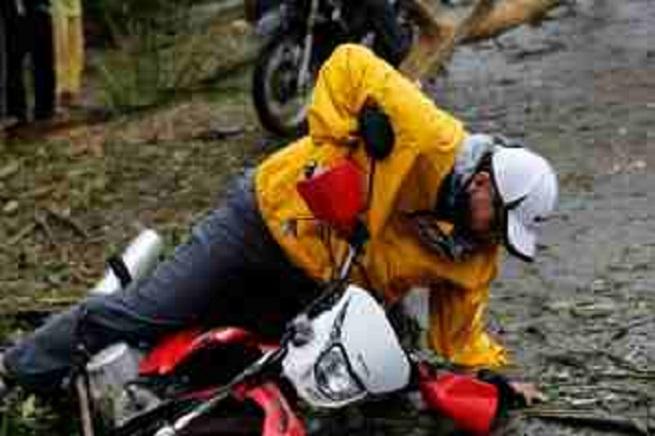 mar_roxas_hagupit_motorcycle-300x200