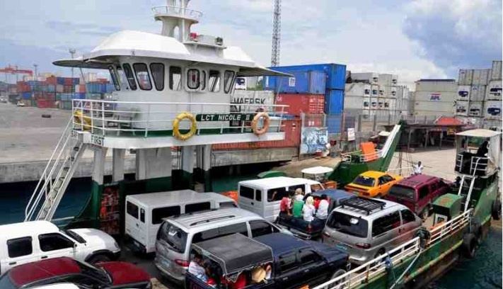 AVOIDING DISASTERS. Vice Mayor Paolo Duterte scored ferry operators plying the Davao-Samal sea route for violation of maritime regulations on passenger safety.