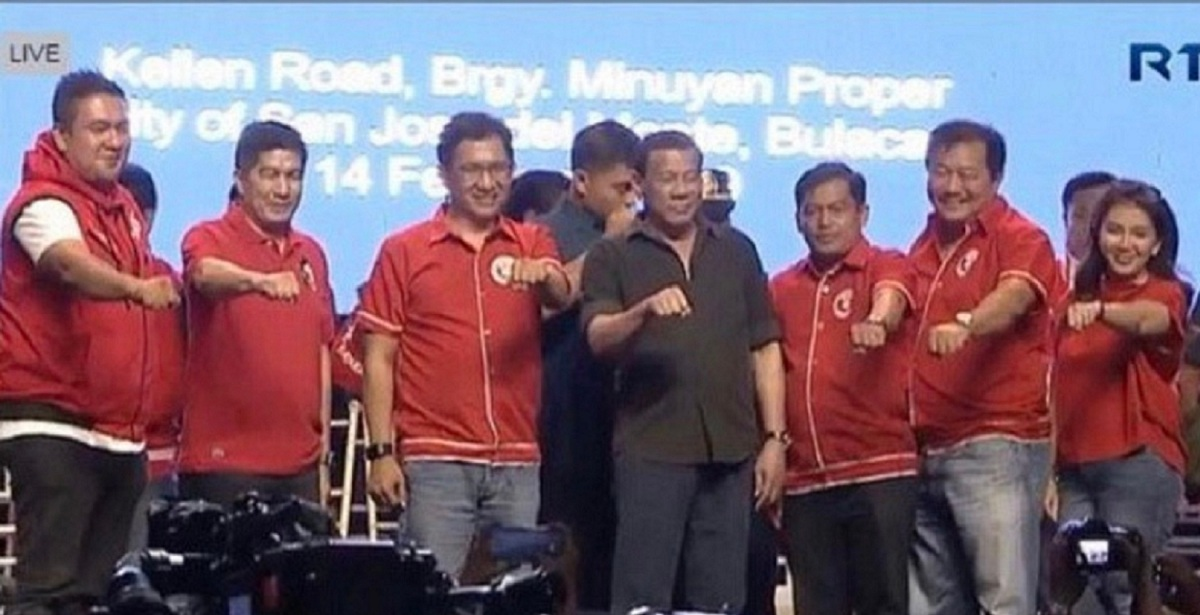 WHO SAYS PRESIDENT DUTERTE IS SUPPORTING ALVAREZ?