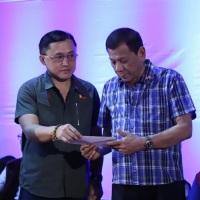 Duterte, Bong Go aid Taal Volcano evacuees in Batangas